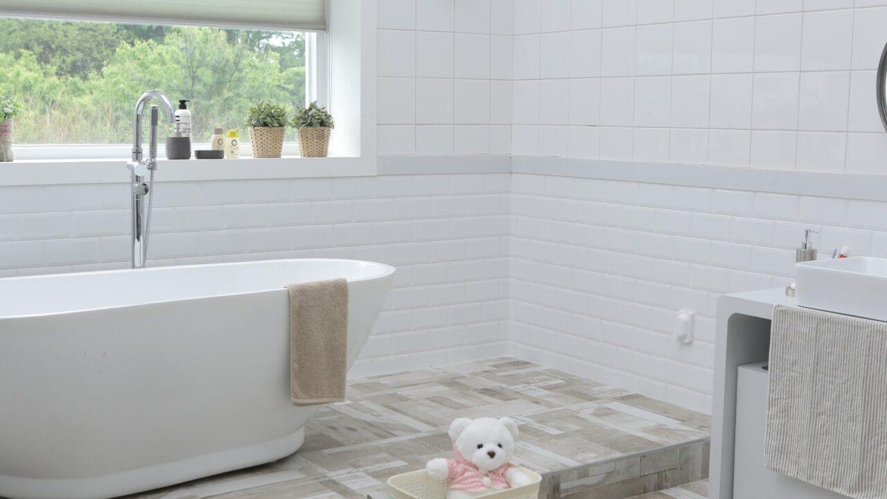 Badezimmer in weiß